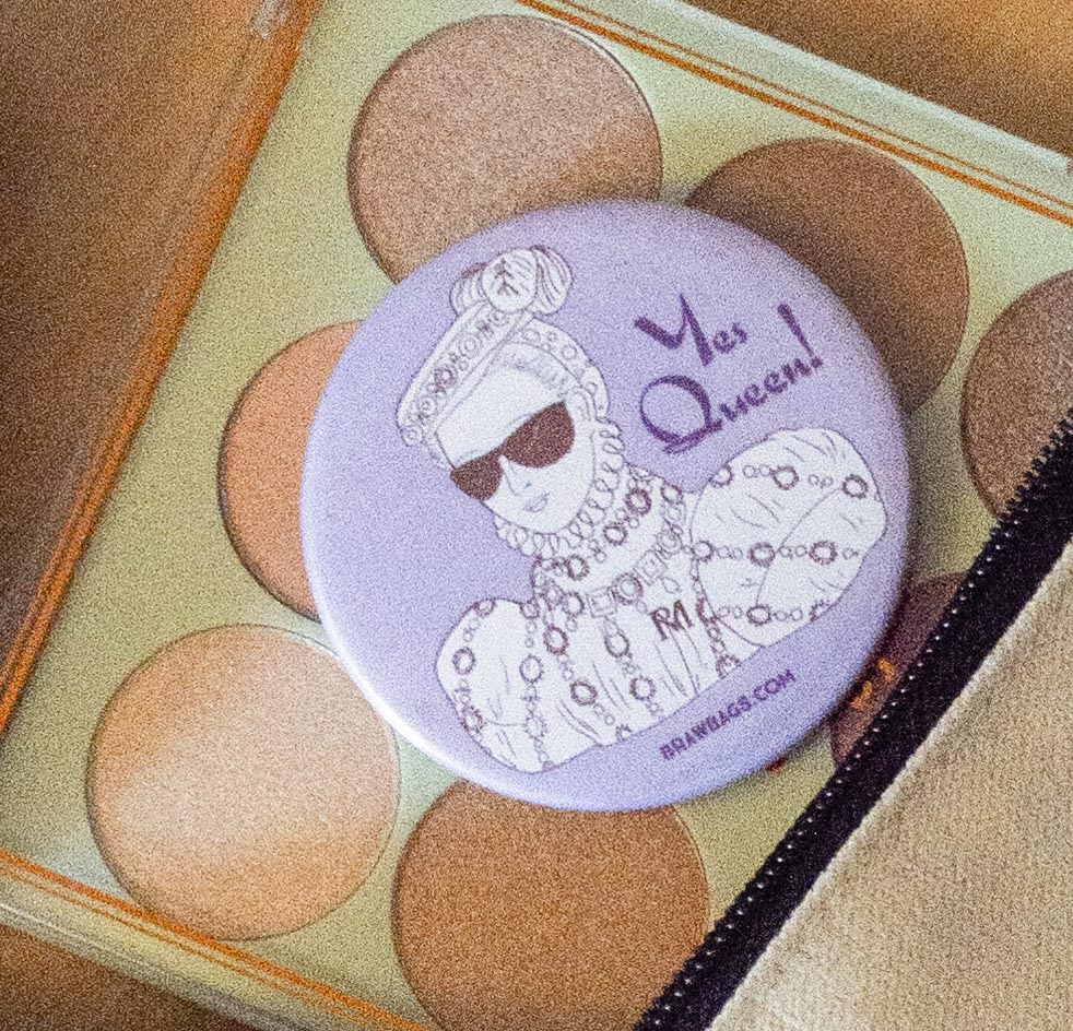 Pocket Mirror_Yes Queen_product 01_web sized